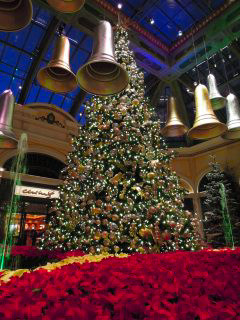 Bellagioxmastree2